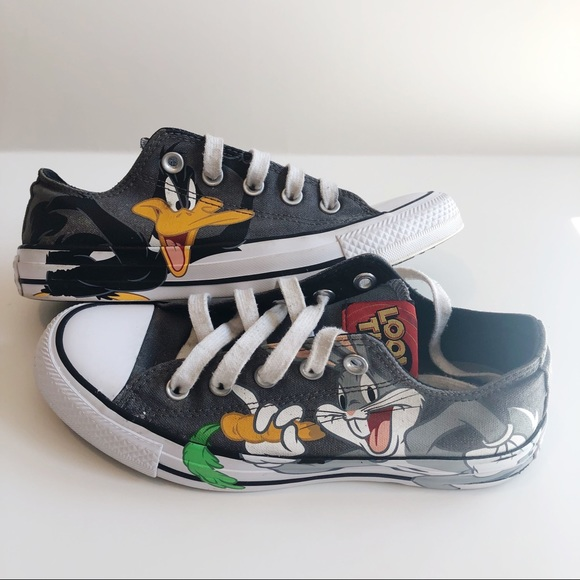 Details about Converse Chuck Taylor All Star Lo Looney Tunes Daffy Bugs Sneakers Youth Sizes